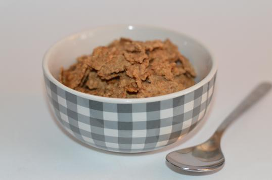 whole grain cereal for breakfast helps in weight loss
